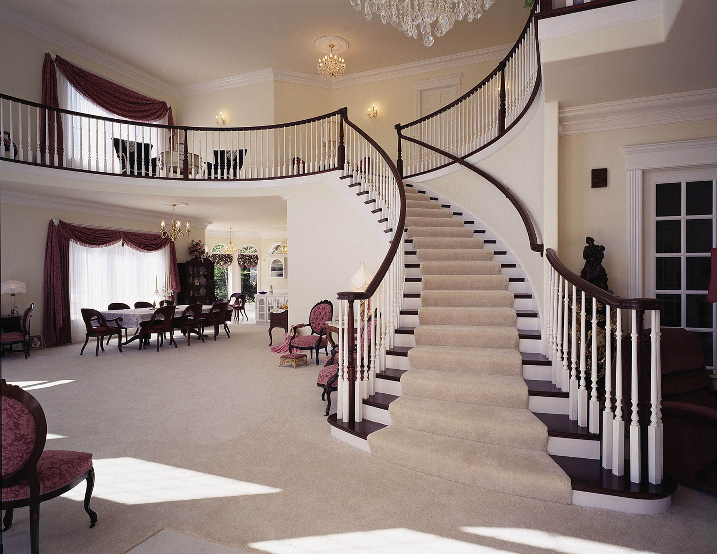 Pictures Of Curved Stairs