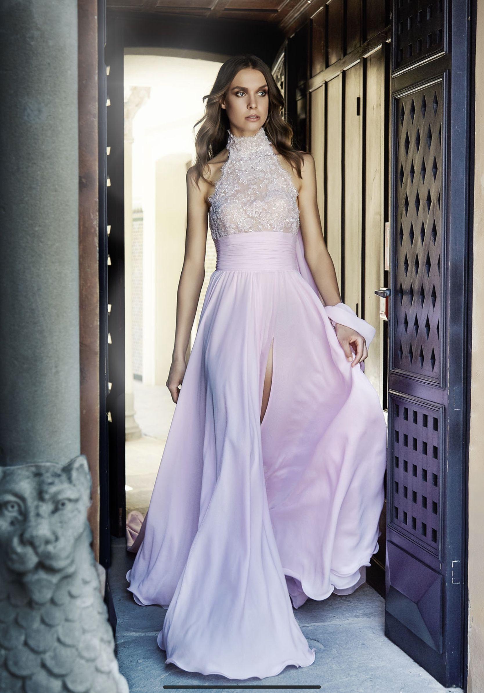 0902accf55ef Un abito davvero trendy il modello LV 0518. Un meraviglioso abito scivolato  in georgette di