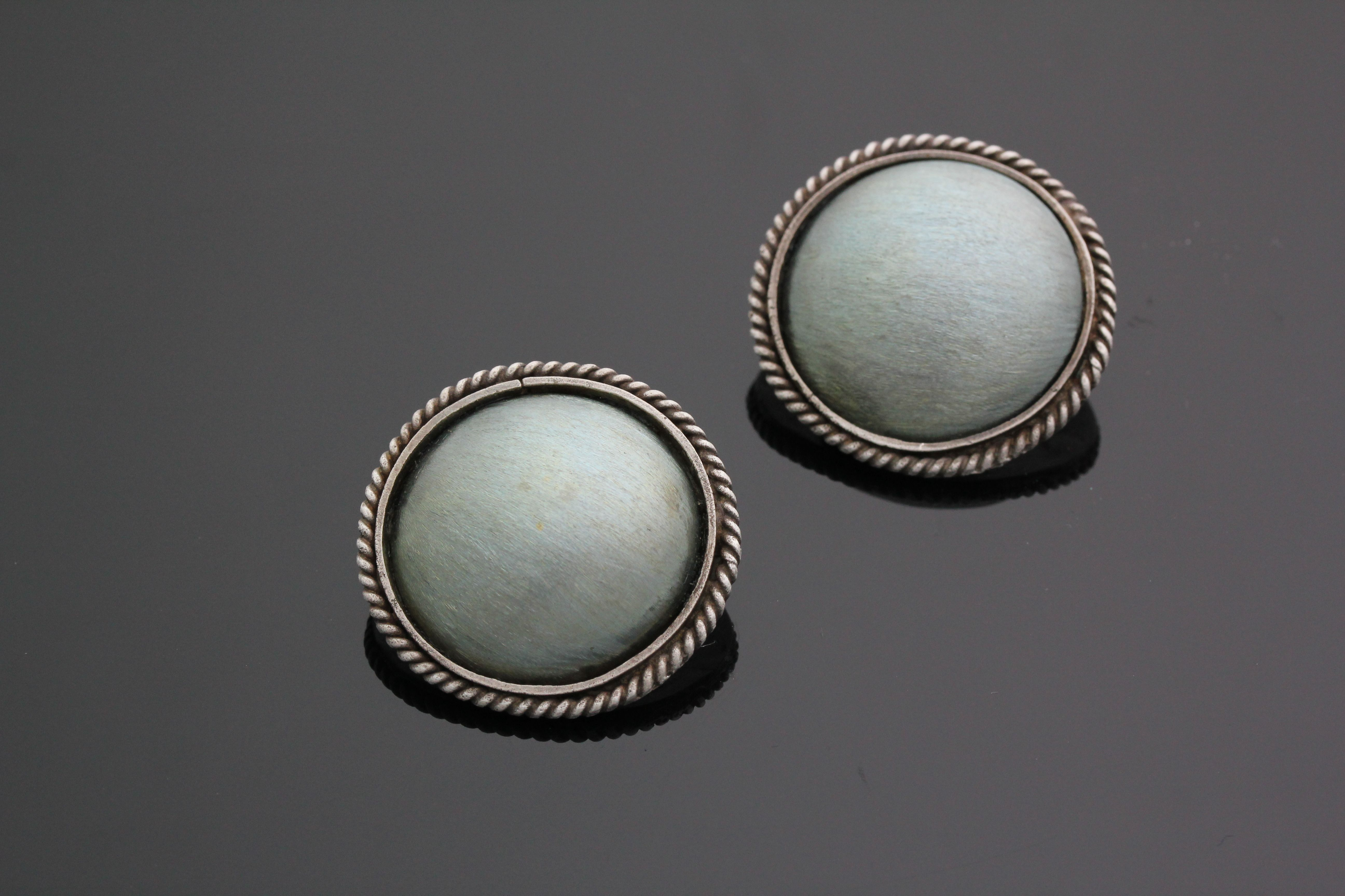 Earring | by Keziah Ko | Handmade from Oxidized 92.5 Silver and Titanium.
