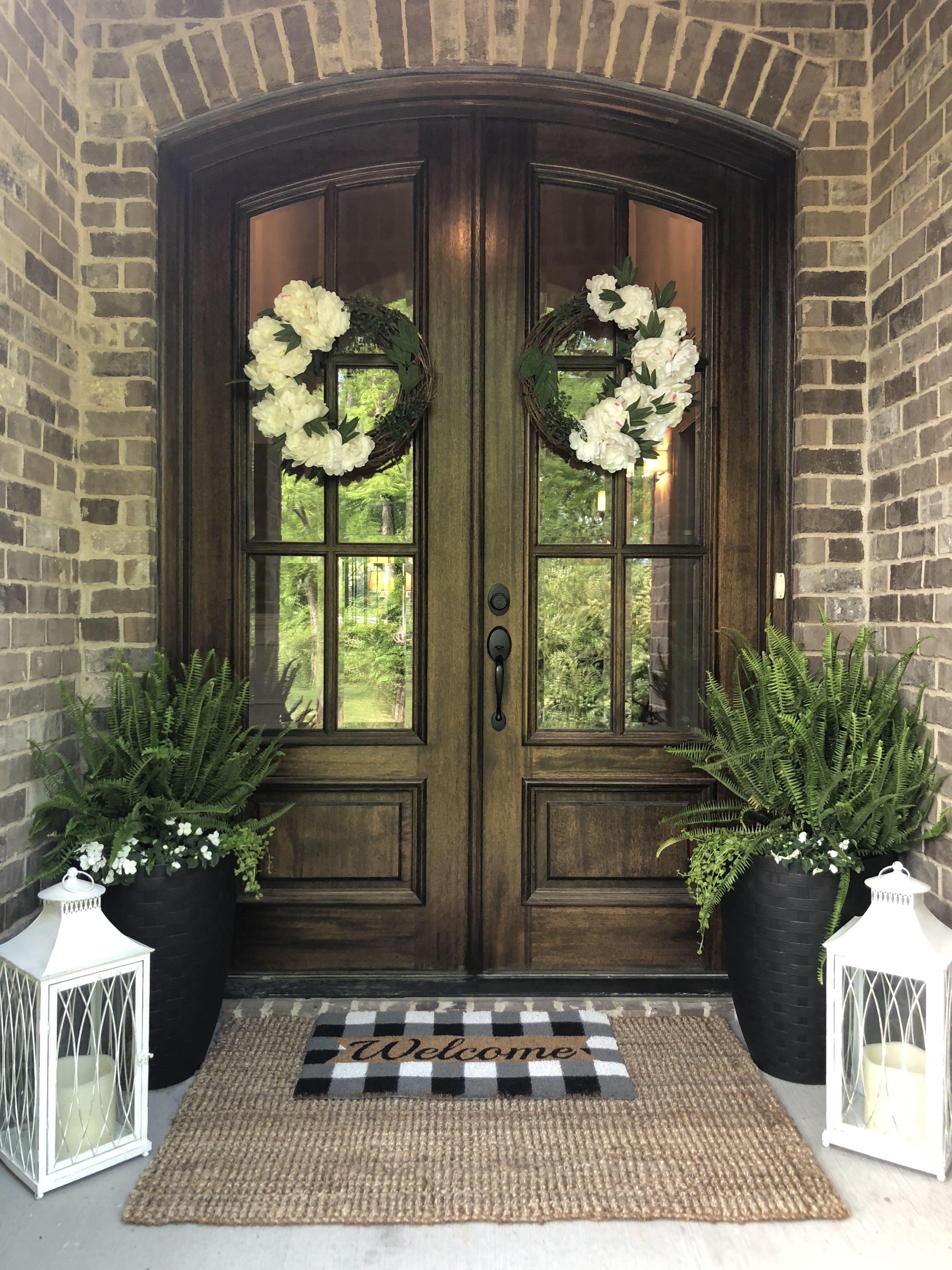 European Style Entryway Front Porch