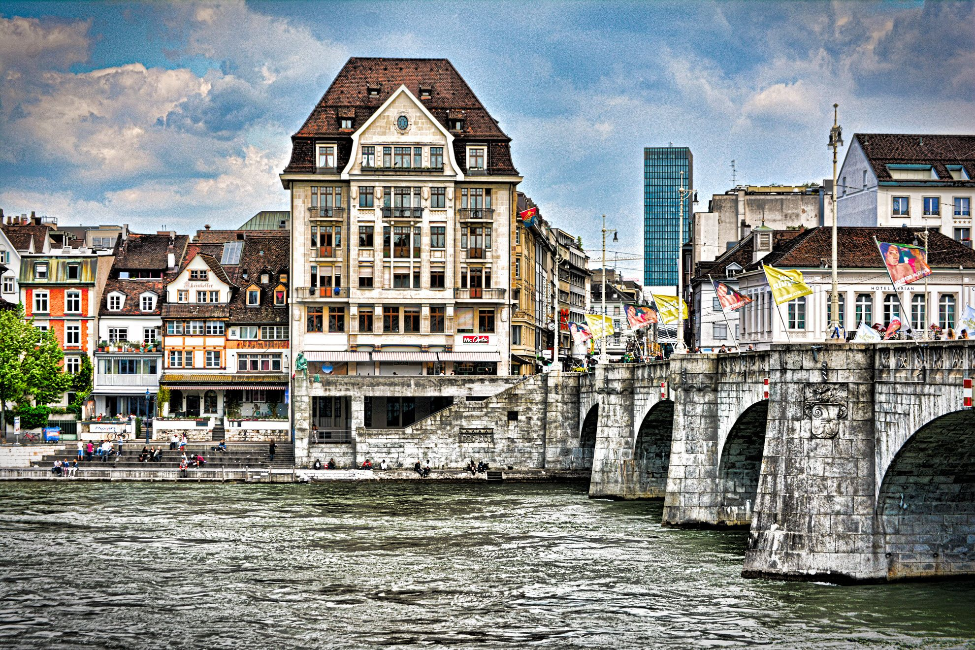 Basel Is A City In Northwestern Switzerland On The River Rhine - Swiss river to the rhine