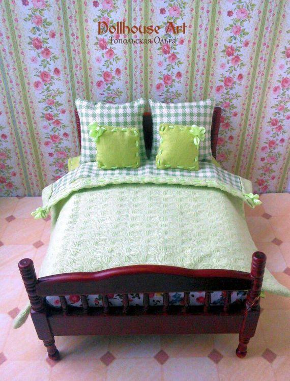 Miniature Dollhouse Handmade Blue /& White Checked Bedspread//Comforter 7 Pillows