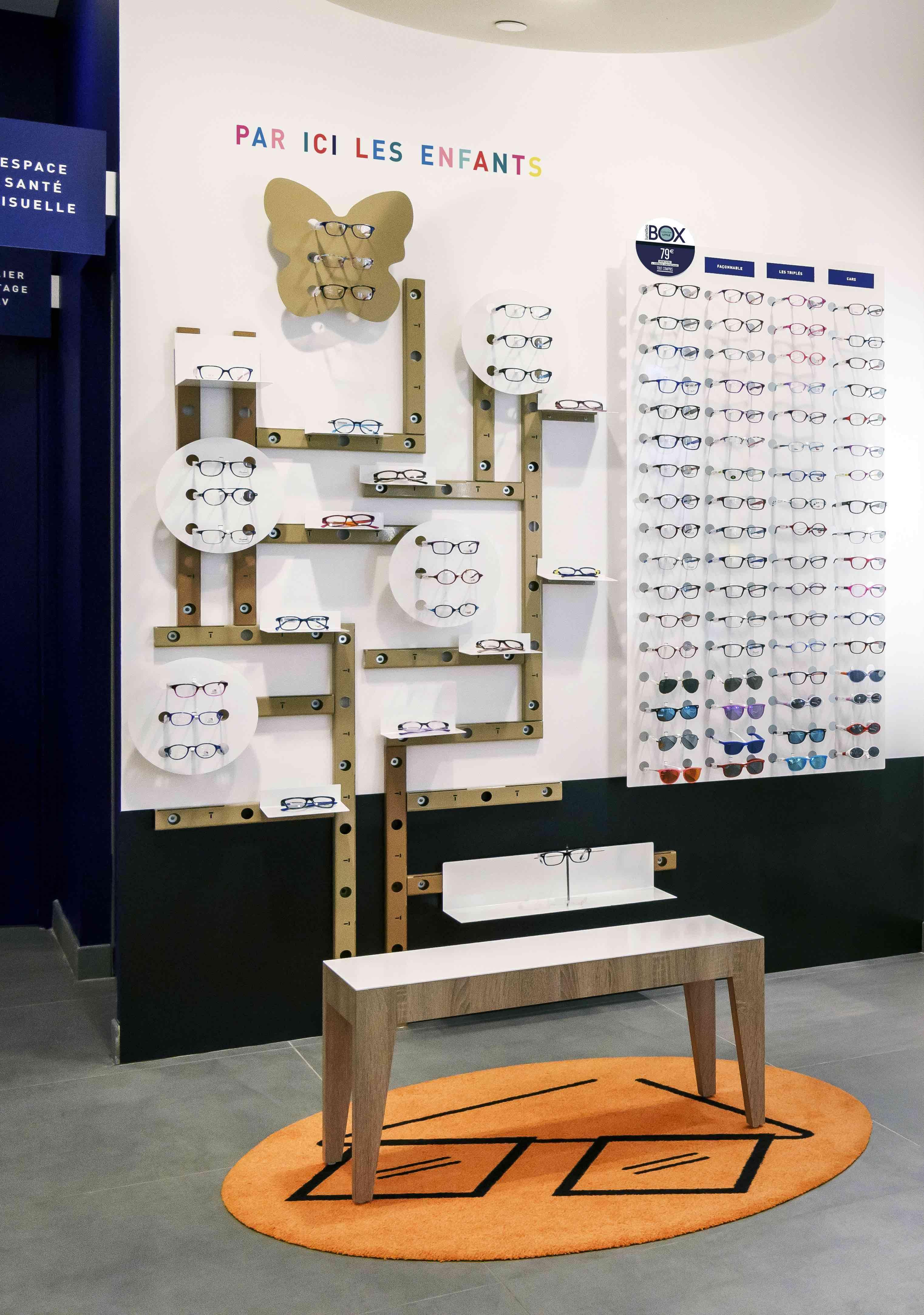 b91db318f35b2b Lunettestore vous simplifie la vue... et celle de vos enfants !  design   conceptstore  opticien  vitrine  lunettes  lunetier  visagisme  enfant