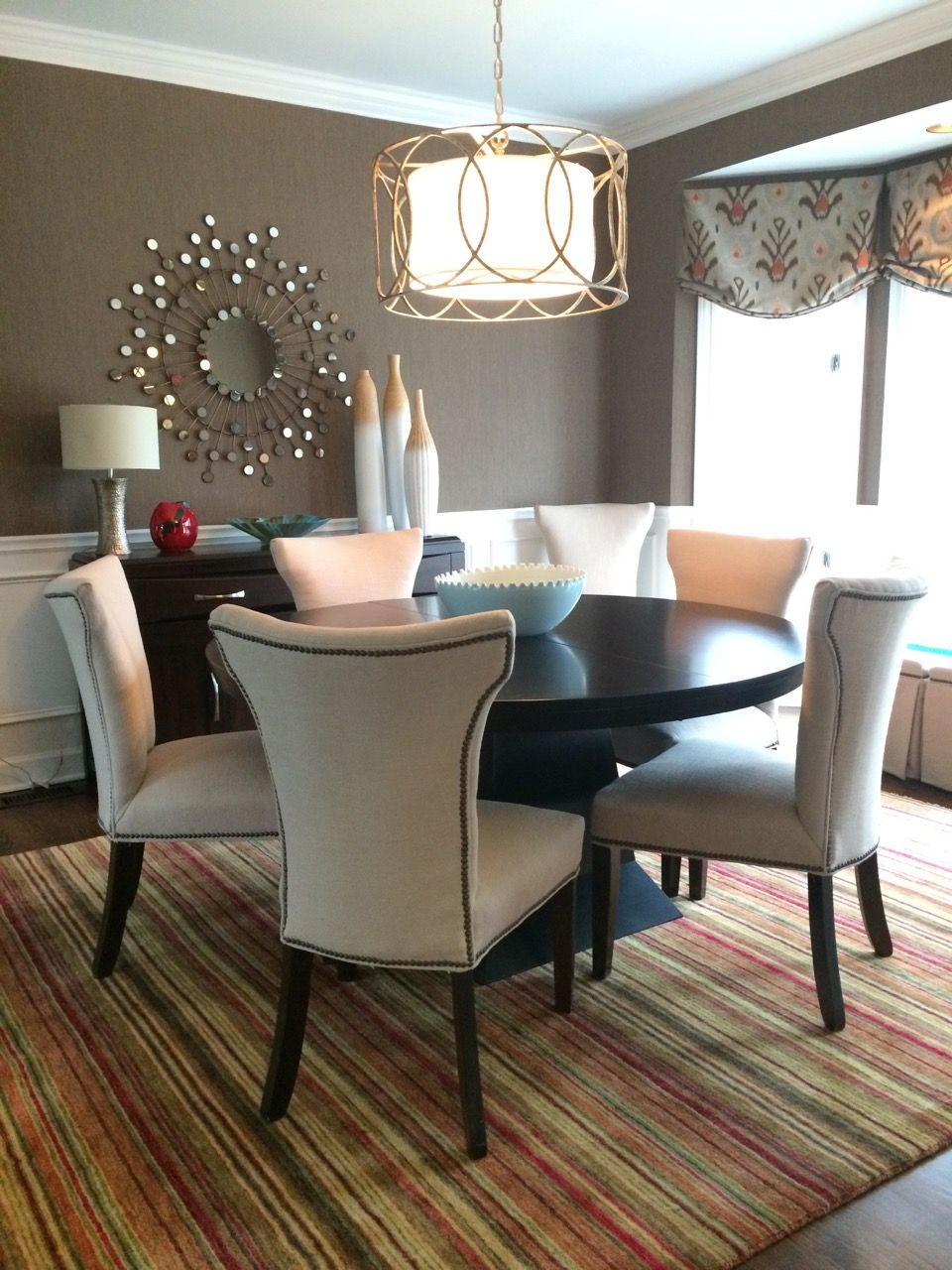 Break Up A Square Dining Room By Adding Round Elements And Furnishings Mock Roman Ikat
