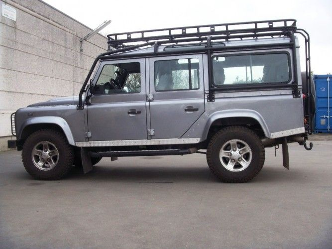 Land Rover Defender 110 Station Wagon Roof Rack Roll Cage Mount