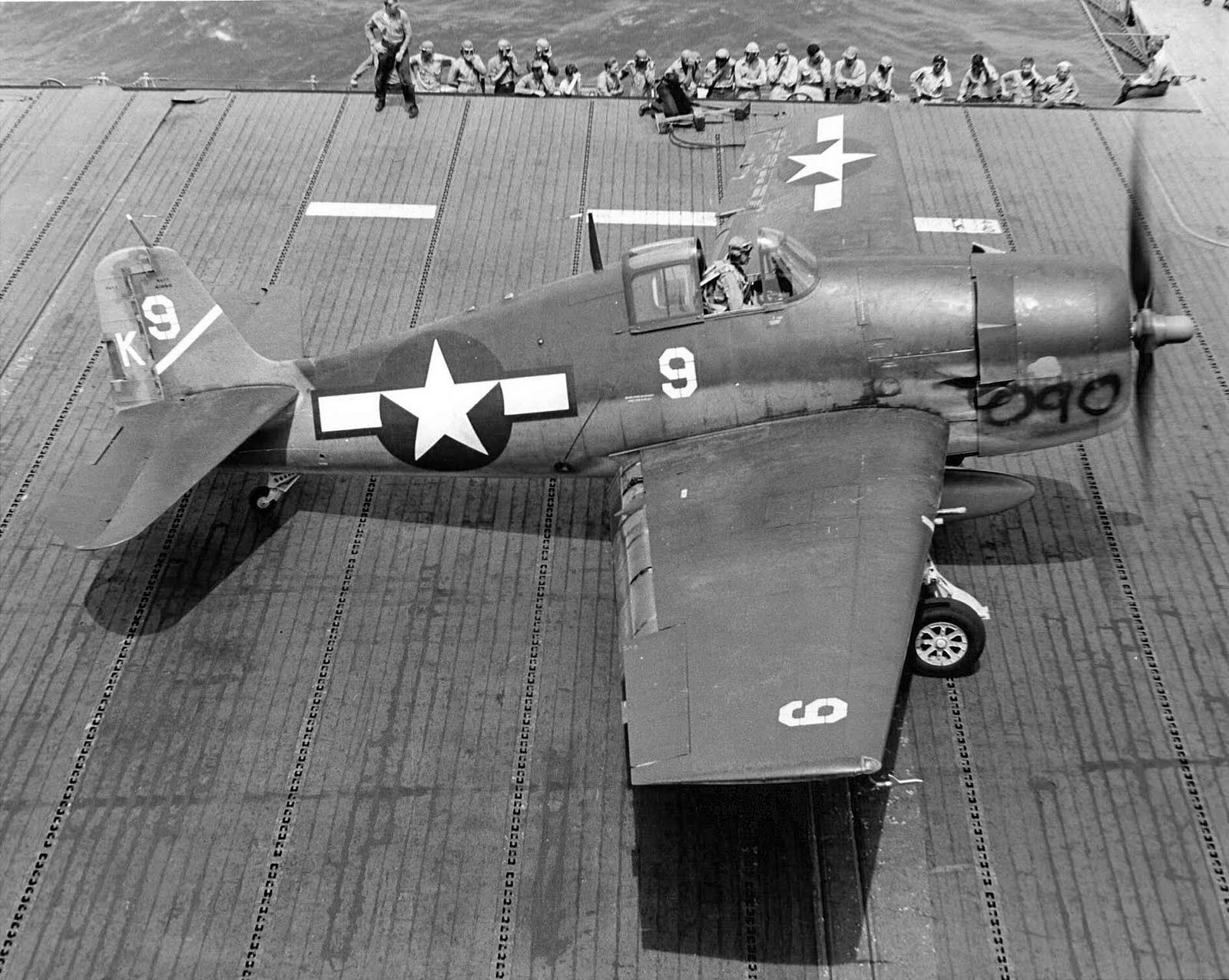 [Photo] F6F3 Hellcat of Fighting Squadron 1 aboard the
