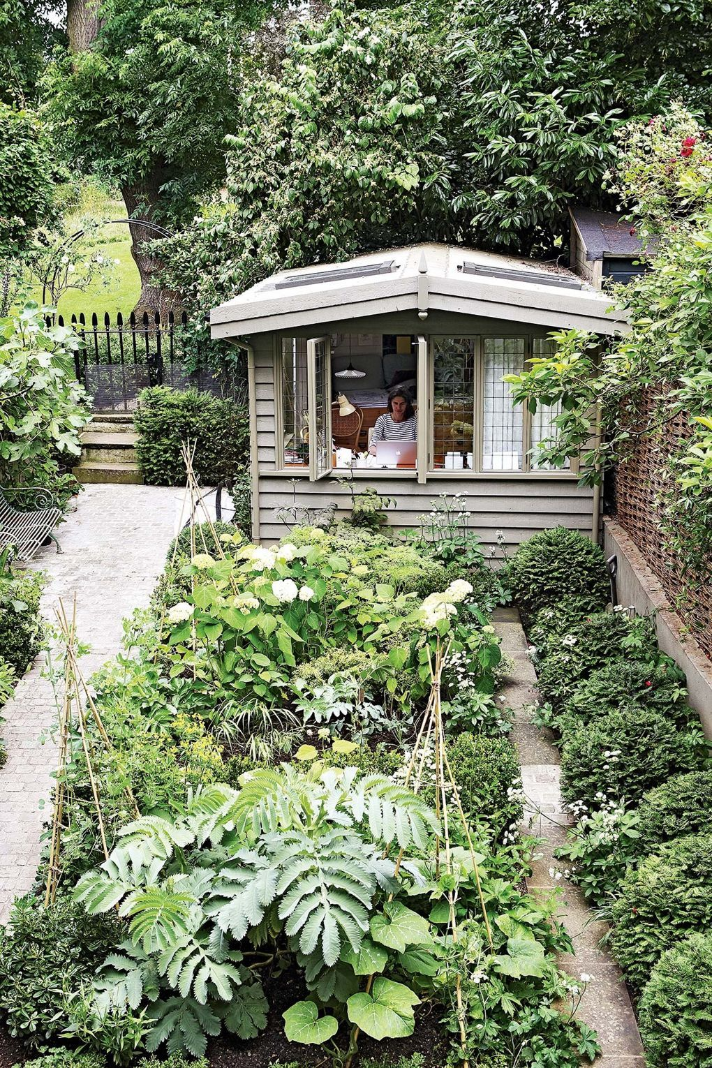 Chic garden sheds | Garden | Small garden design, Very ...