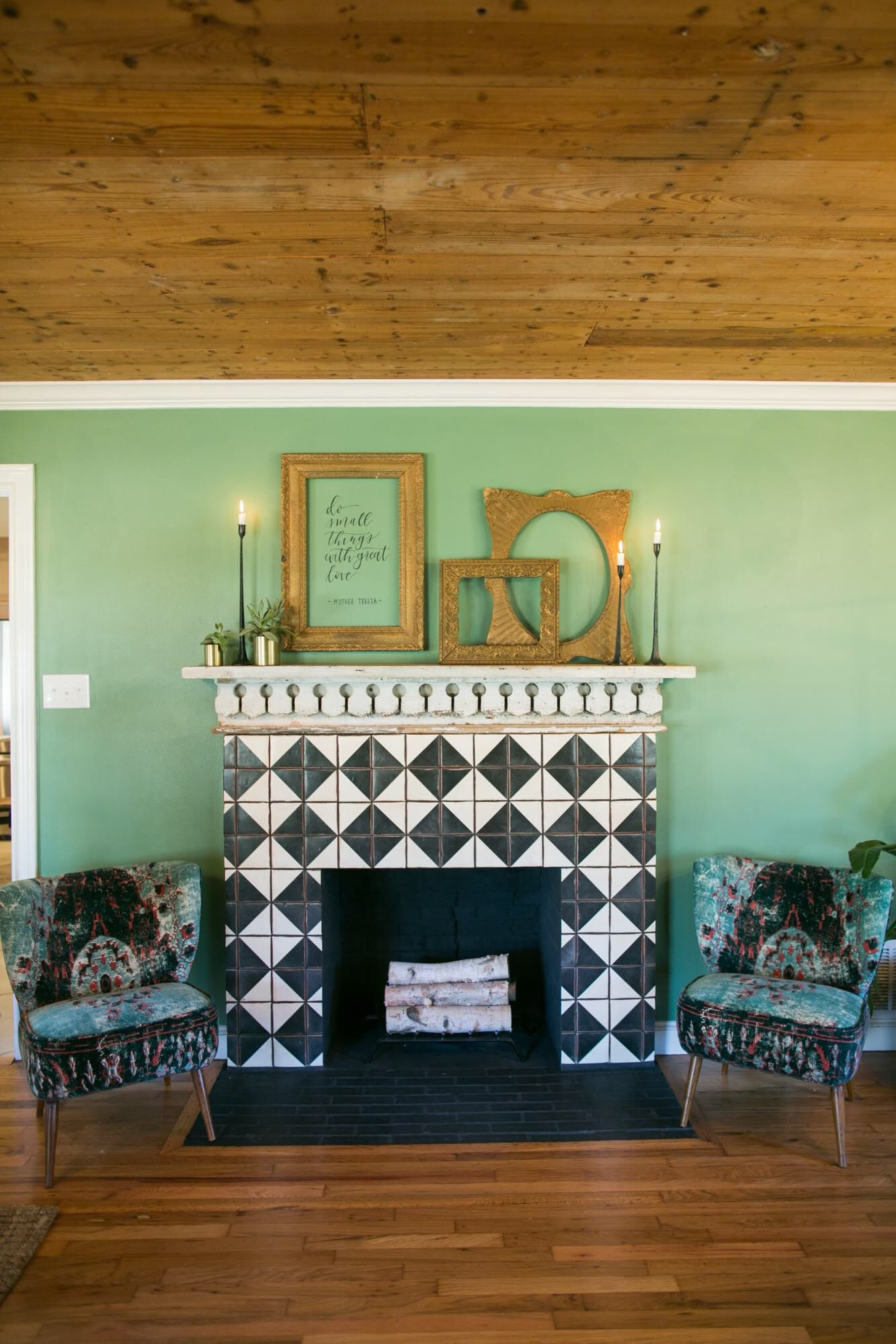 I Adore The Eclectic Style On The Latest Fixer Upper