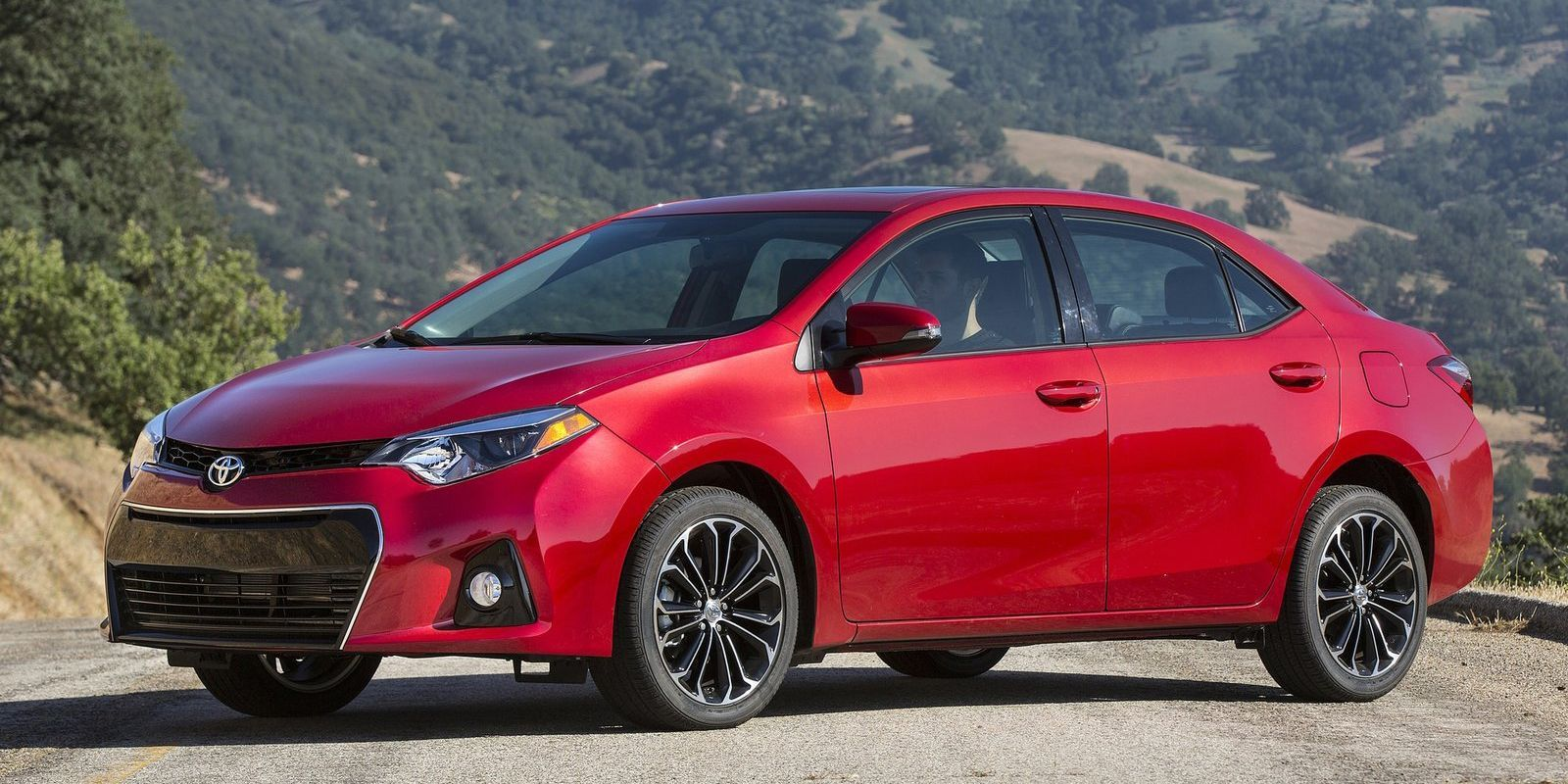 8 Cars You Didn T Know You Could Get With A Manual Toyota Corolla 2016 Toyota Corolla S Toyota Cars