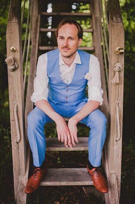 Costume bleu ciel pour votre mariage by Julien de Caurel.  wedding  suit c3cf2495b07