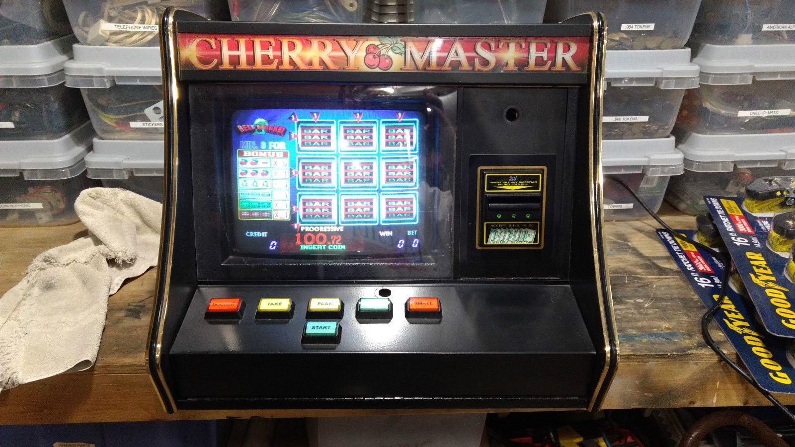 Reel N Quake Countertop Poker Machine 8 Liner Video Arcade Game