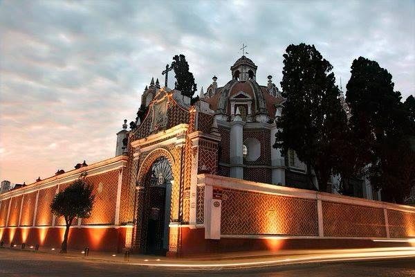 """En 1863 la Iglesia del Carmen fue usada como fuerte militar """"Fuerte Hidalgo"""". #Puebla #MexicoHoteles http://ift.tt/1m3yoTN"""