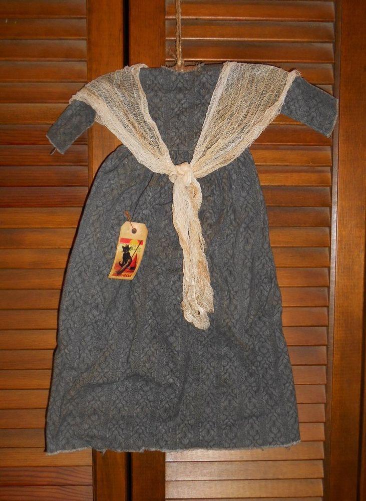Grungy Prim Decor PILGRIM DRESS With APRON,Thanksgiving,Puritan,Cupboard Hanger