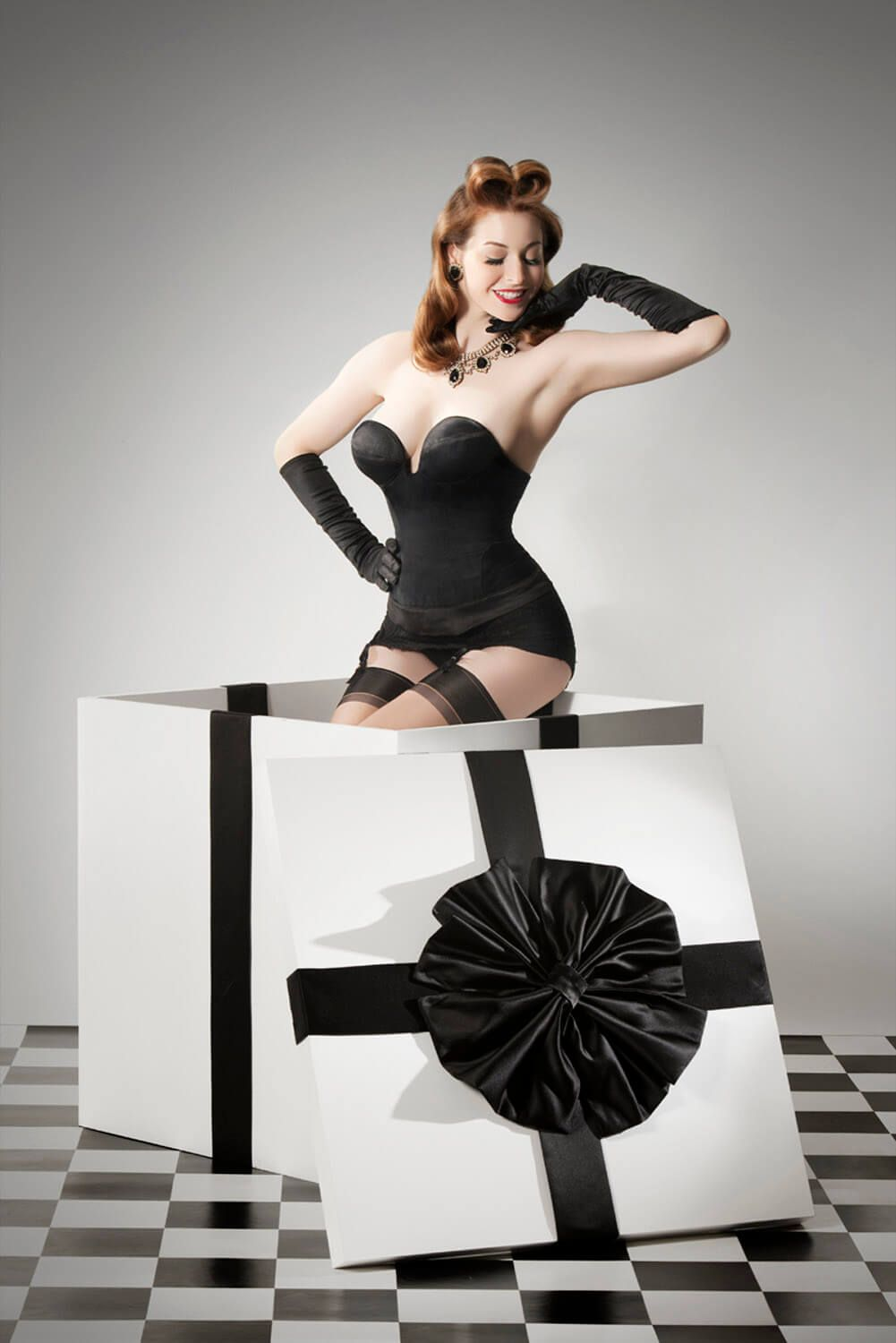Pinup Present | Burlesque and Pinup Club | Pinterest