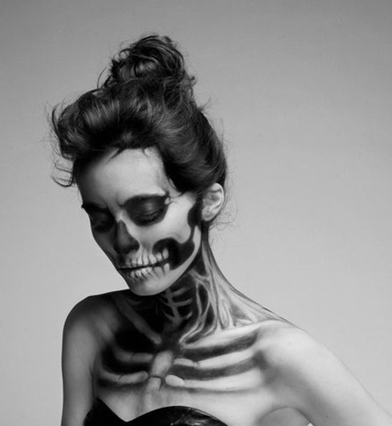 45 maquillages d 39 halloween qui feront de vous la reine de la soir e le squelette squelette et. Black Bedroom Furniture Sets. Home Design Ideas