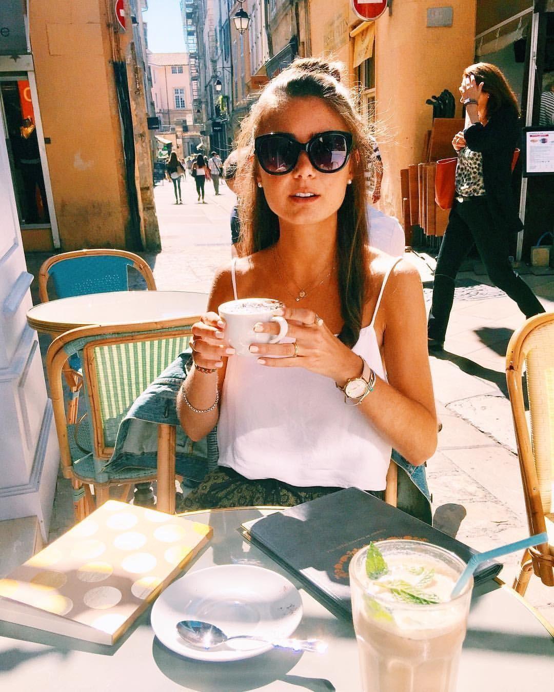 pictures Nicoletta Romanoff