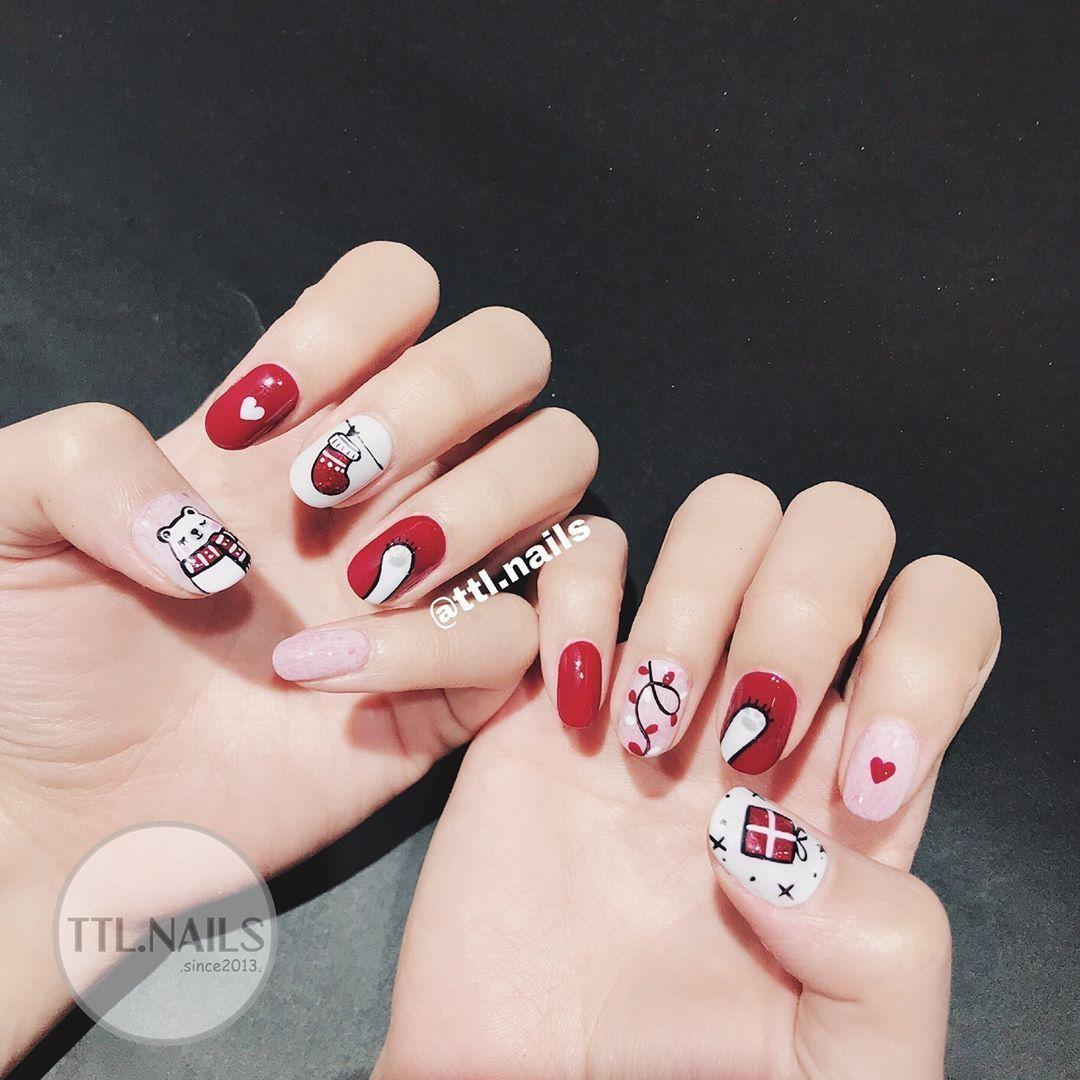Winter/ Xmas Nails Art Course In London Xmas nails, Xmas