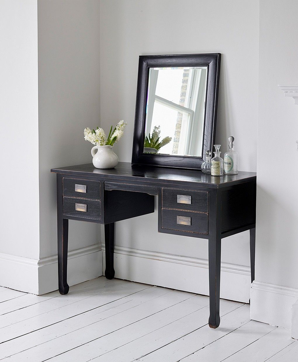 Best Canton Black Dressing Table Black Dressing Tables 400 x 300