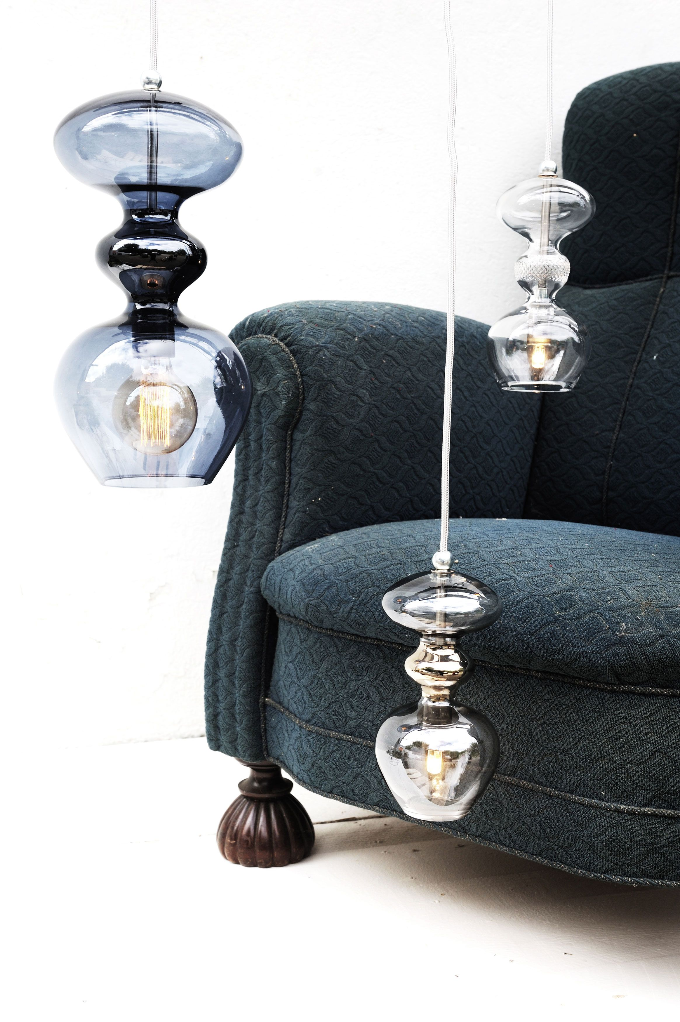 The Futura Pendant Lamp Is Produced In Mouthblown Glass The Middle Section Is Metallic Blue And The Colour Above And Be Pendant Lamp Silver Pendant Lamp Lamp