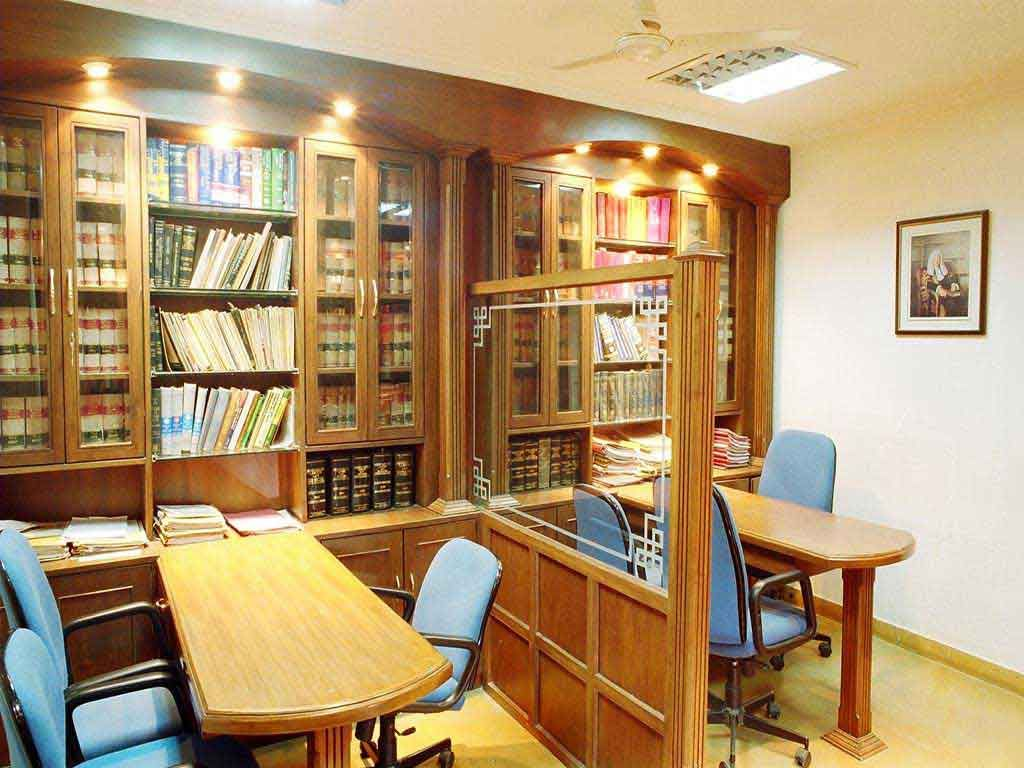 Advocate Office Classical Interior Design By 3da Best Office Interior Designer Office Interior Design Modern Classical Interior Design Modern Office Interiors