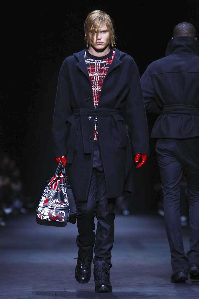Male Fashion Trends: Versace Fall-Winter 2017 - Milan Fashion Week