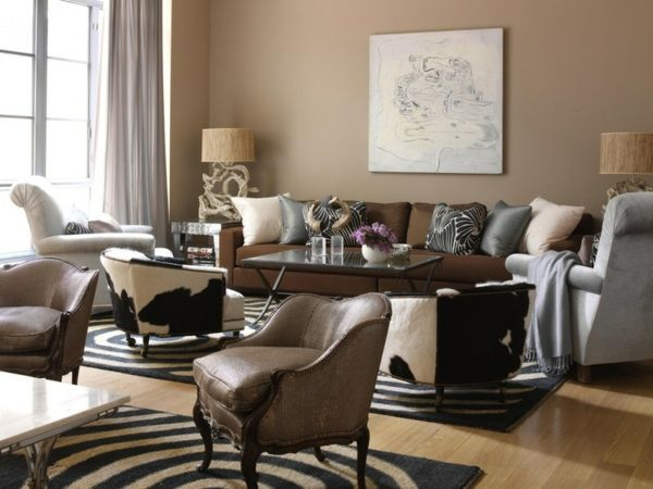 Wohnzimmer Einrichtungsideen Wandfarbe Brauntöne Wandmalerei Sitzecke