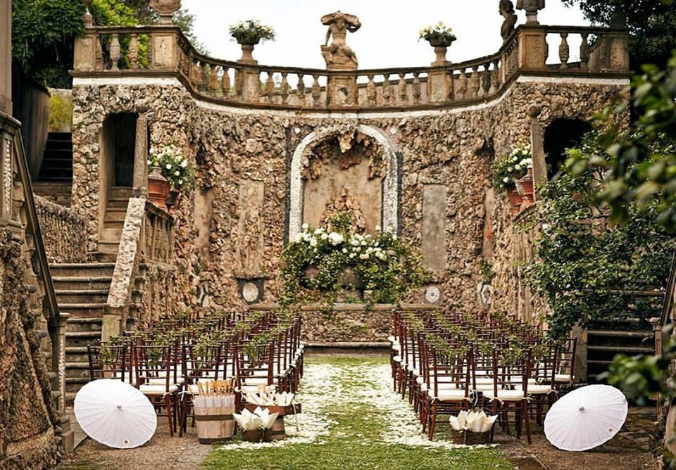 Cuando el espacio lo es todo...  Jules Photographer #unabodaoriginal #boda #bodas #wedding #casament #casamento #espaciosingular #blogdebodas