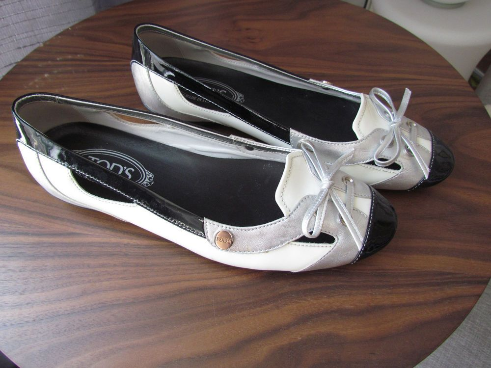 Tod's Black/Silver Patent Leather Cut Out Tie Flat Loafers Sz 40 #Tods #LoafersMoccasins