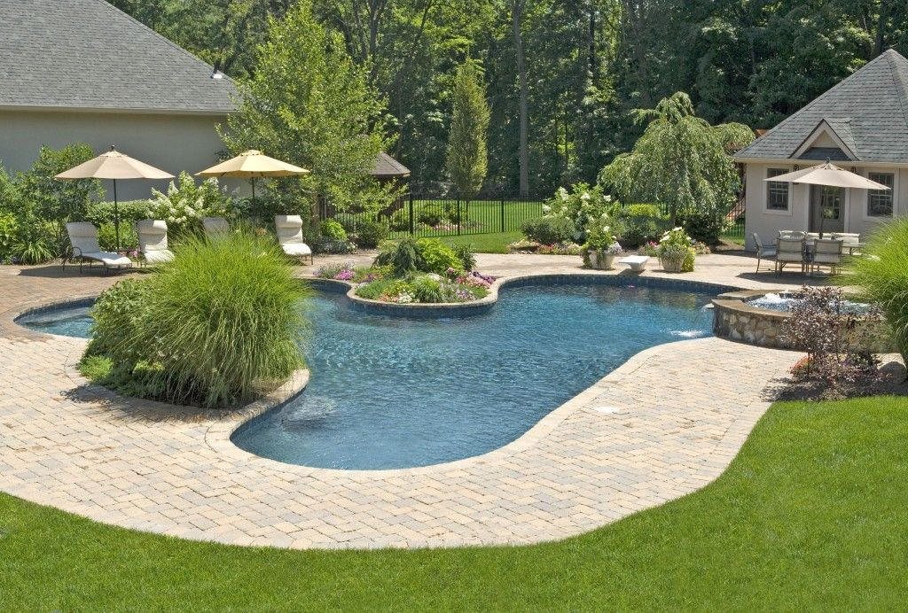 15 Mind Blowing Backyard Landscape Ideas Bees And Roses Pool Patio Designs Backyard Pool Landscaping Small Backyard Landscaping