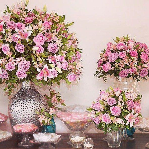 Bom dia! Lindas flores para alegrar seu dia! .. {Inspirar}.  linda por @mariguimafotografia . .  http://www.elo7.com.br/cidamerola .  #cidamerola #noiva #voucasar #casamento #wedding #weddinginspiration #weddingday #weddingideas #noivado #weddingflowers #flowers #nossodia #bomdia #weddingdecor #bride #namorado #eueele #Alamango #Bridal #Textiles #Wedding #AlamangoBridal #AlamangoTextiles #Malta #LoveMalta #Bridesmaid #WeddingDress