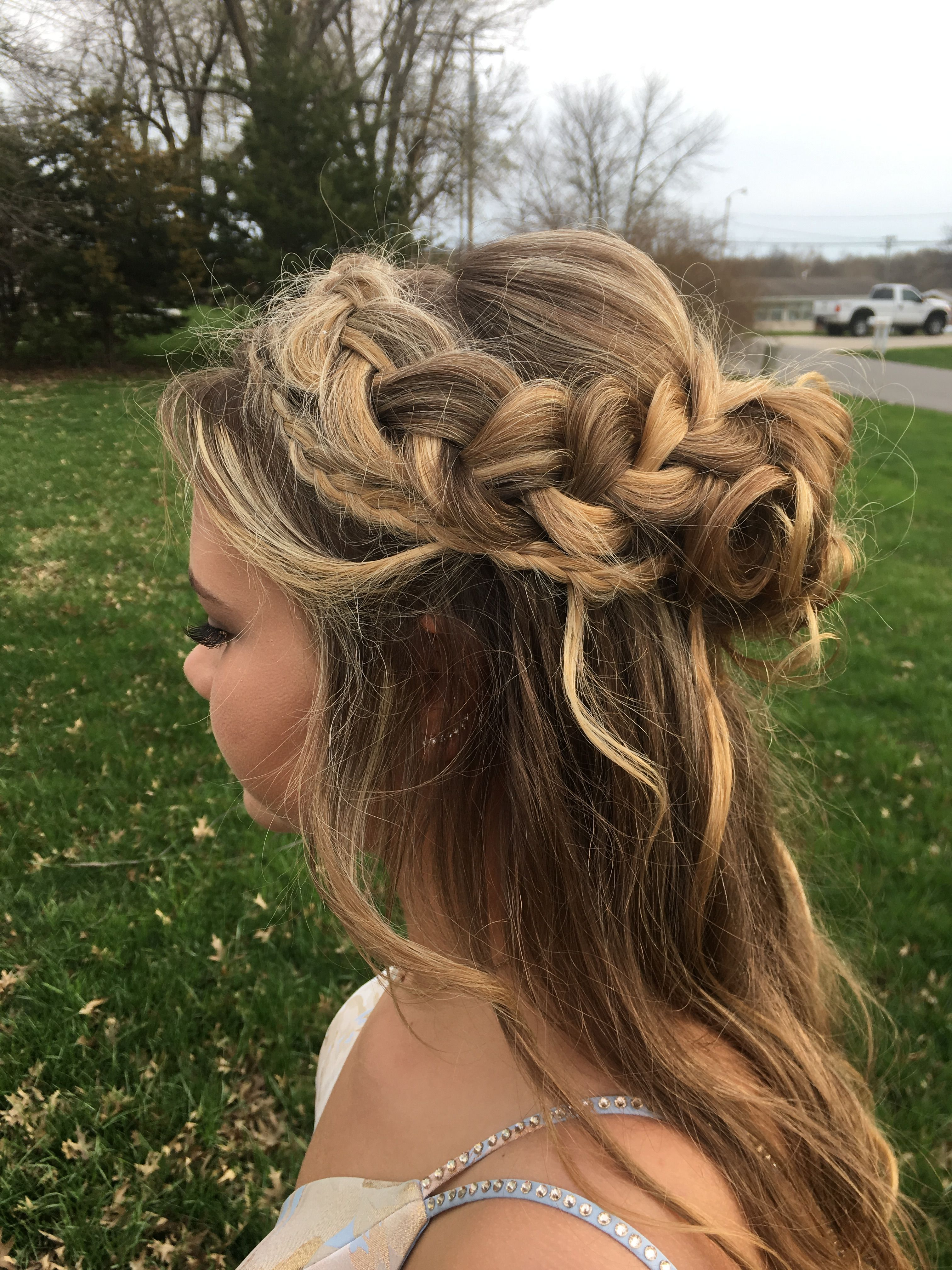 cute double braid prom hair half up half down in 2020 ...