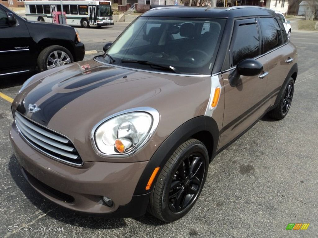 mini cooper countryman light coffee - with bonnet and ...