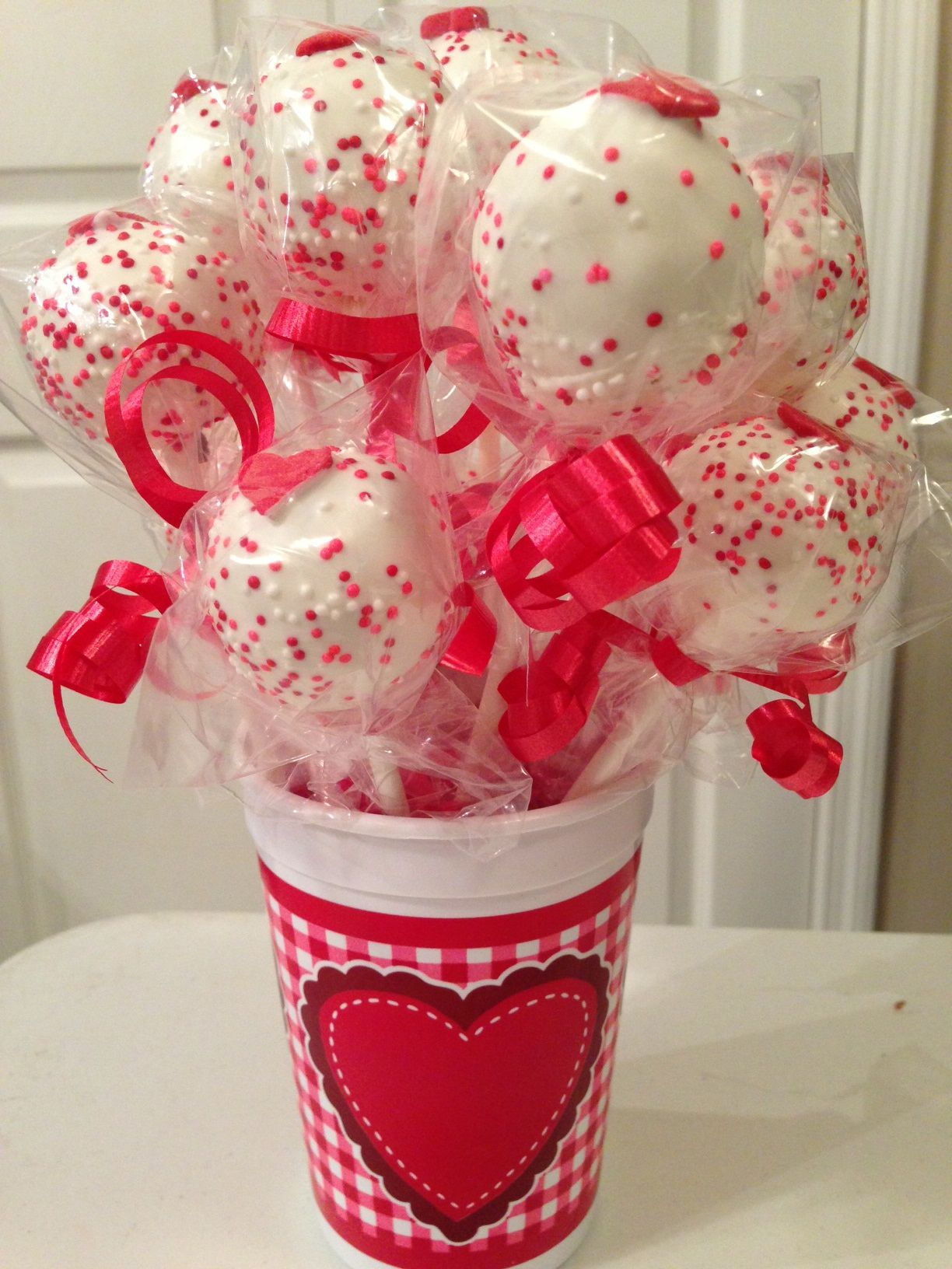 Cake Pop Bouquet Valentine With Images Cake Pop Bouquet