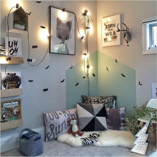 die kuschelecke wird im kinderzimmer farblich abgesetzt kolorat kinderzimmer streichen. Black Bedroom Furniture Sets. Home Design Ideas