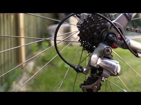 Adjust A Rear Bicycle Derailleur Bicycle Bike Road Bike