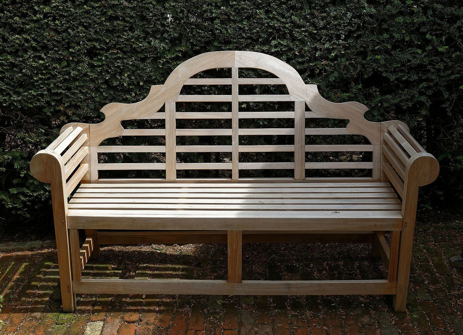 FileBench in the Old Palace Garden Hatfield House