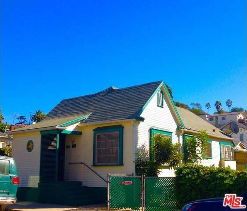 1406 Mcduff St Los Angeles Ca 90026 Zillow Types Of Houses House Styles Zillow