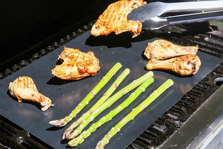 2 or 4 Non-Stick BBQ Grill Mats