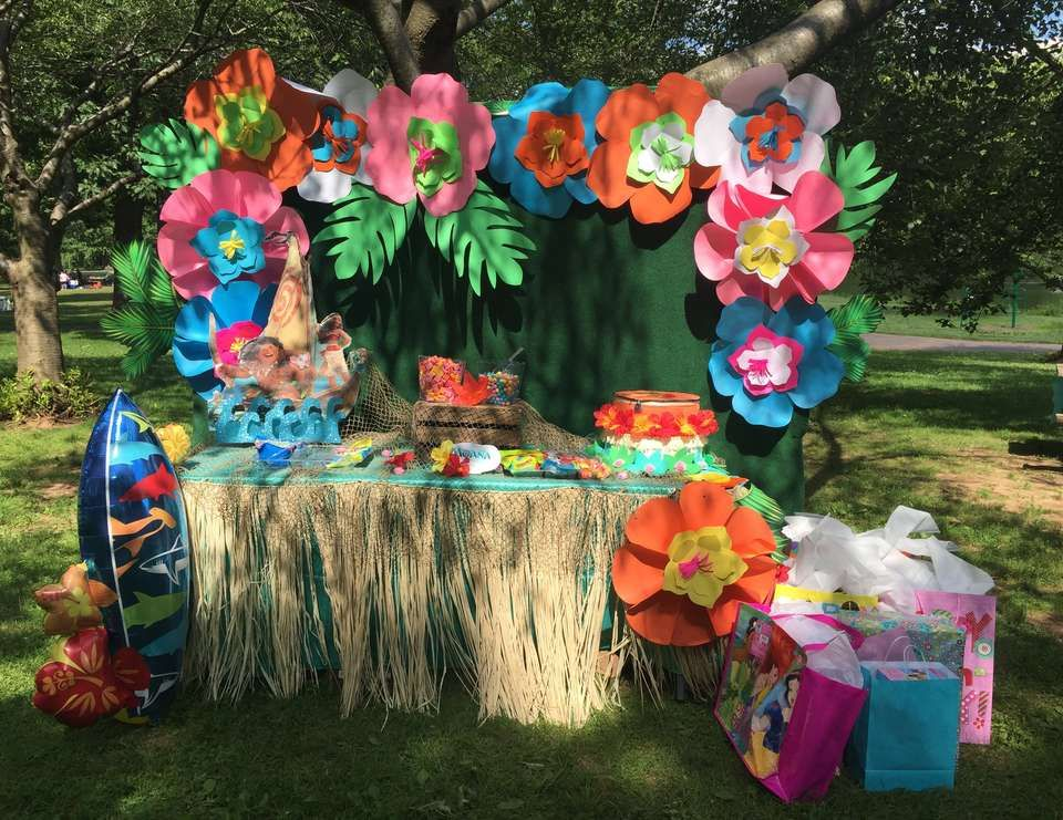 What A Stunning Dessert Table At This Moana Birthday Party See More Ideas And Share Yours CatchMyParty Desserttable