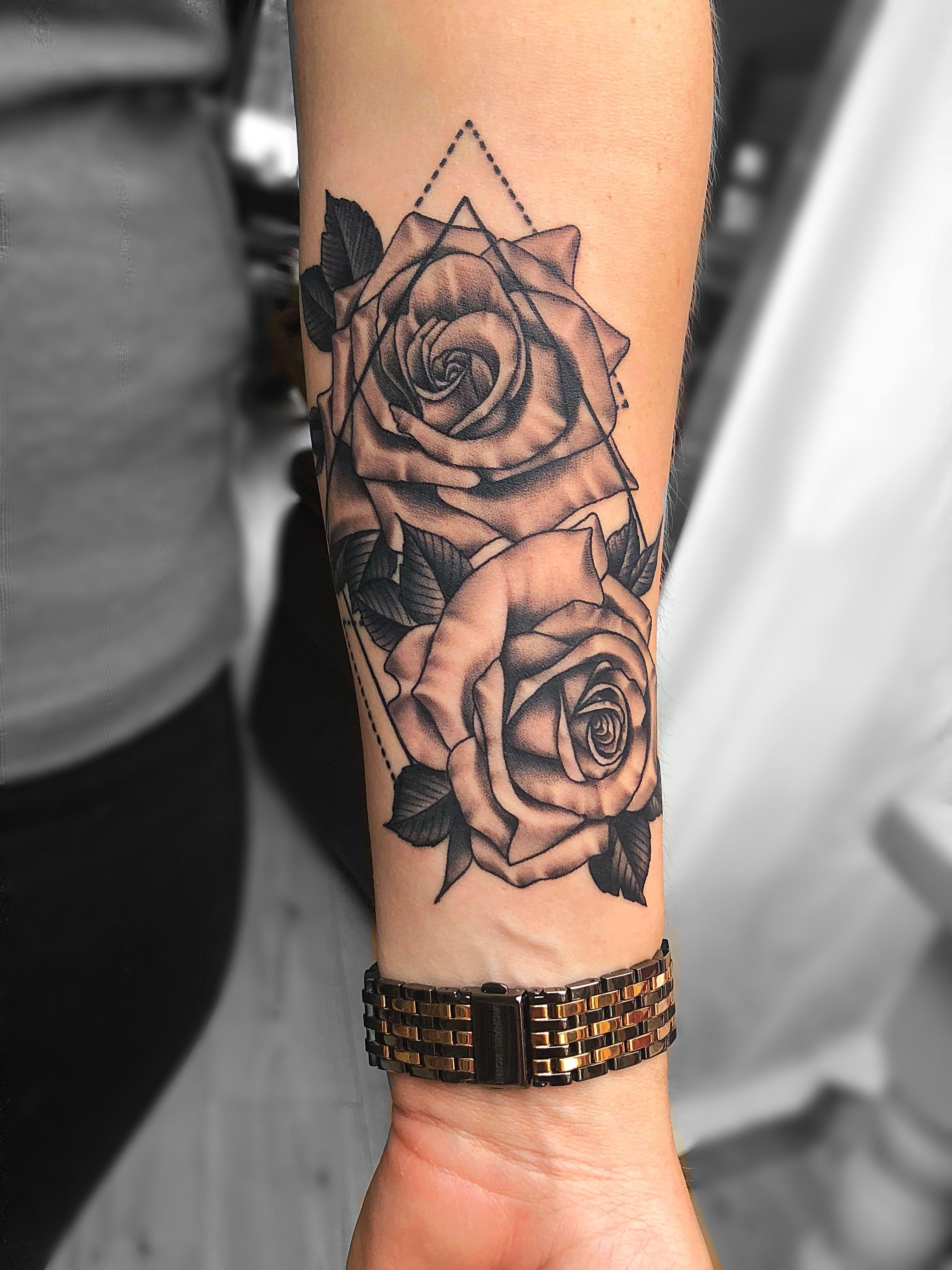 Rose Tattoo On Arm : tattoo, Roses, Forearm, Tattoo, Women,, Tattoos,, Design