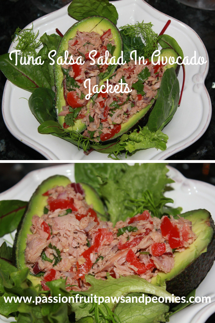Healthy avocado recipes are hugely popular and for good reason. They are packed with nutritional value and a satisfying too! This tuna salsa salad with avocado jackets make a fun and healthy lunch. They are super easy to make, so you can make this quick and healthy lunch anytime. It's very fulfilling and should keep you going for hours...