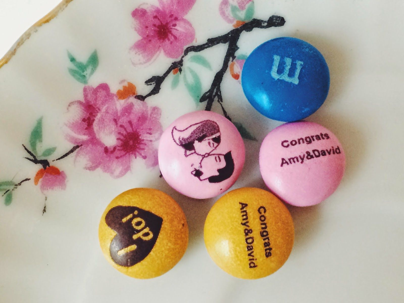 How to Showcase Personalized MY M&M\'S Wedding Favors   Favors ...
