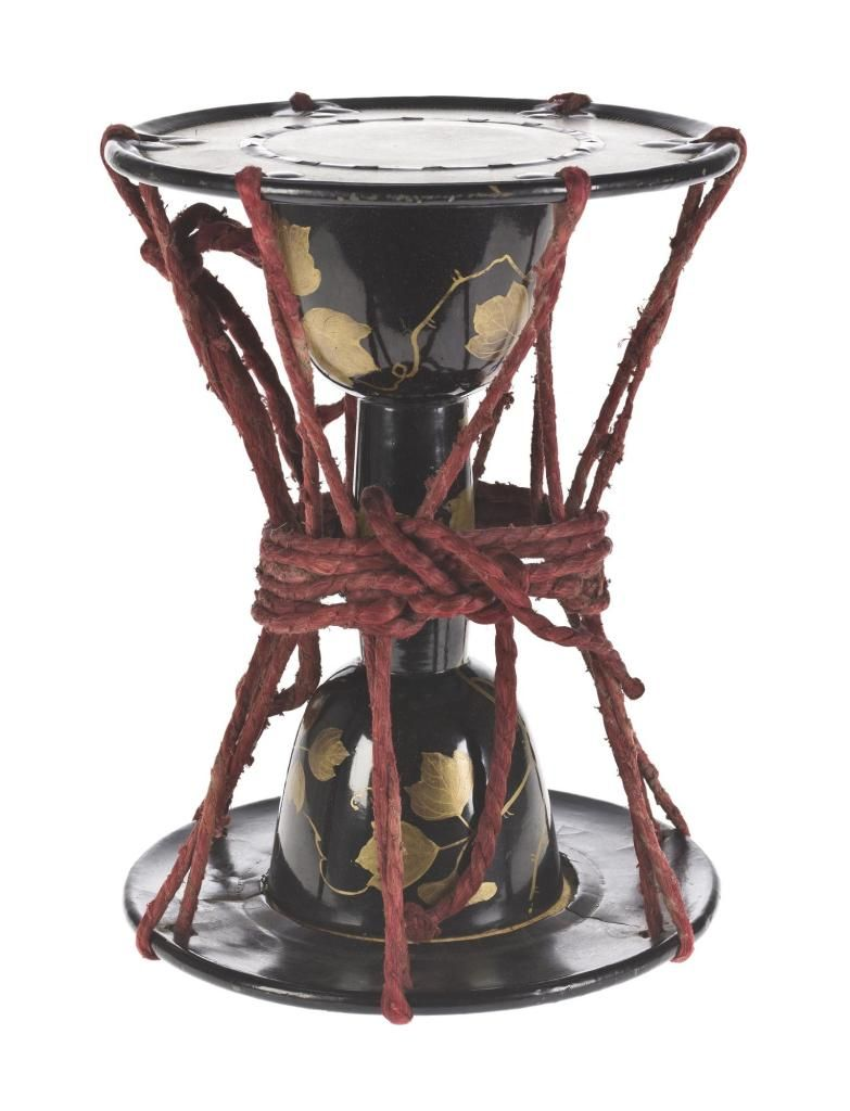 9baabb7c Shoulder drum (tsuzumi), spool form, of black and gold lacquered wood,