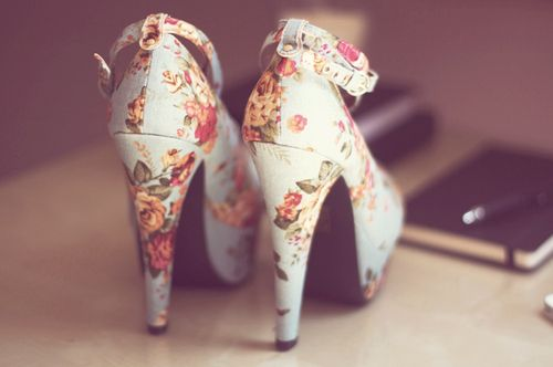 loving these mint floral mary jane pumps