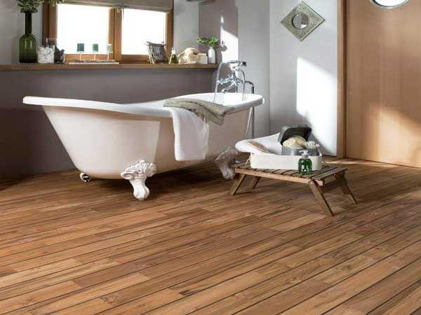 Un parquet dans la salle de bains c 39 est possible for Parquet en bambou salle de bain