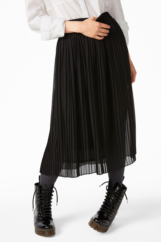 Monki Image 3 of Mid length pleated skirt in Black