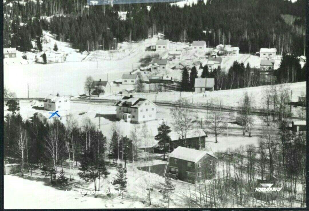 Hedmark fylke Ringsaker kommune MOELV. STRANDVIK PENSJONAT fra lufta vinterstid. Utg Norrønafly 1950/60-tallet