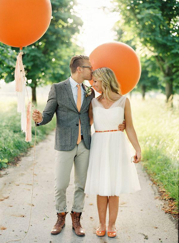 Neon Bridal Crush  BRIDE AND GROOM  Hochzeit bilder Kleid hochzeit Braut brutigam