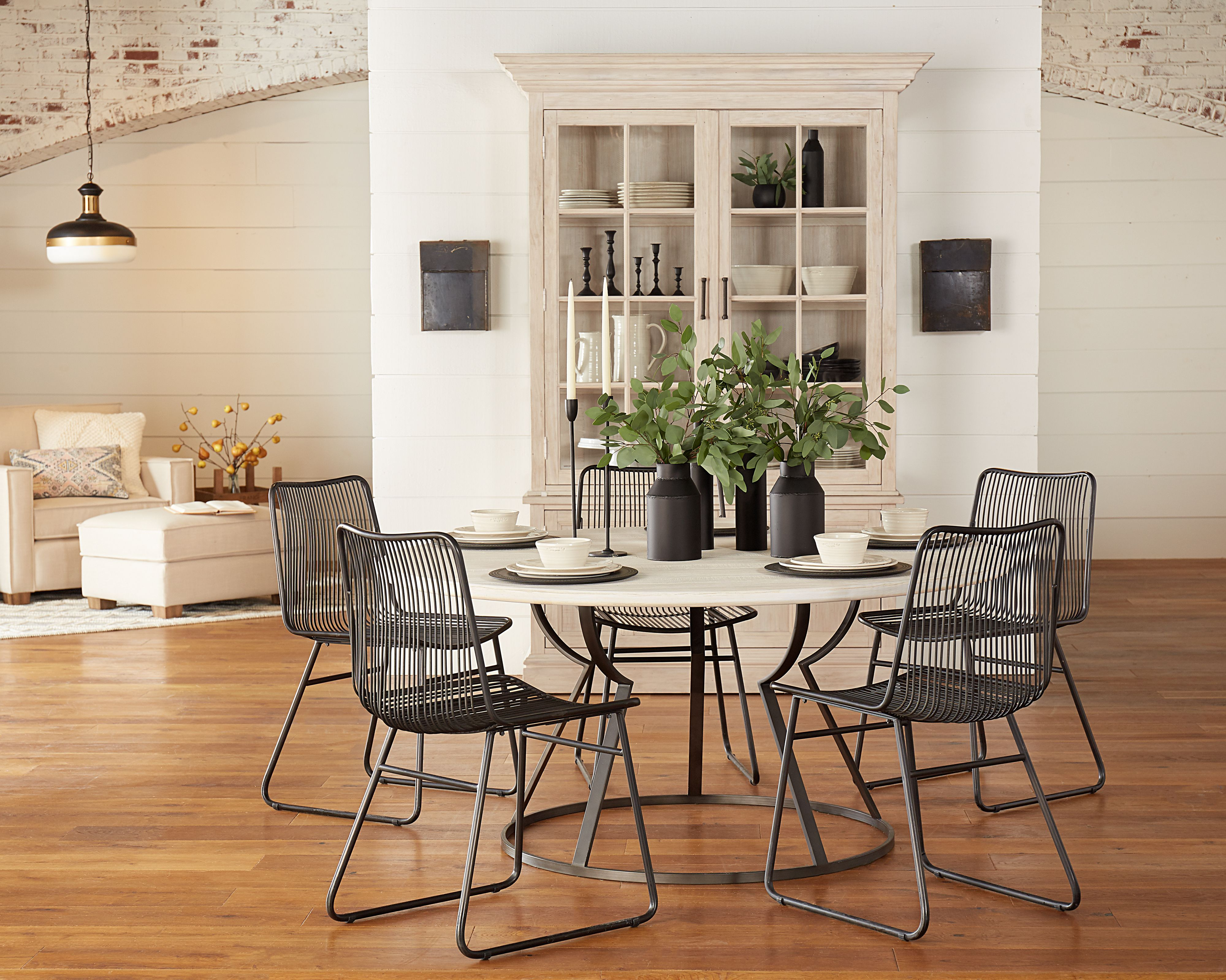 Belford Dining Table With Dru Metal Chairs Magnolia Home