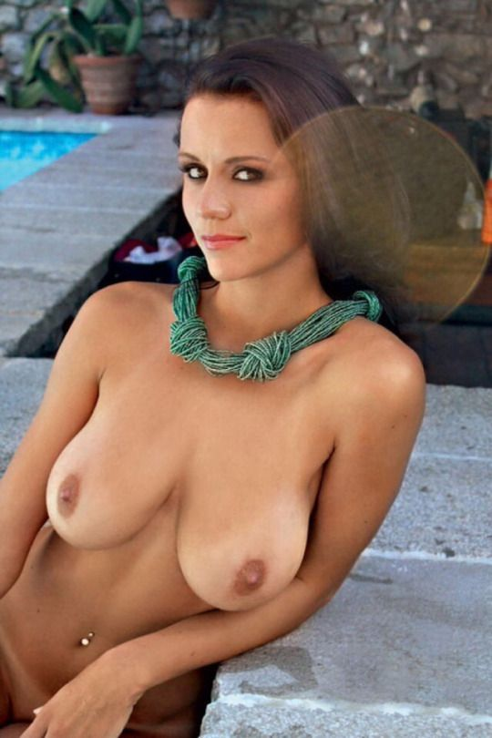 Actress naked butt
